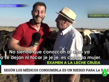Un reportero de Telemadrid con un entrevistado