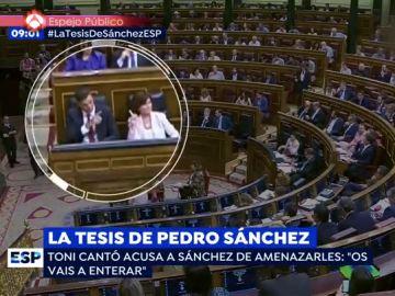 Pedro Sánchez señala con un dedo en el Congreso
