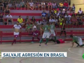 agresion futbol sala