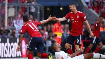 James celebra su gol contra el Leverkusen