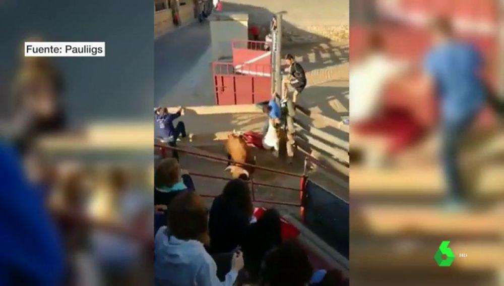 BORRADOR Dos mujeres heridas al ser arrolladas por un toro que se ha salido del encierro en Cuenca