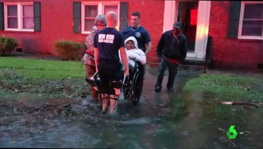 El huracán Florence deja cinco muertos a su paso por Estados Unidos