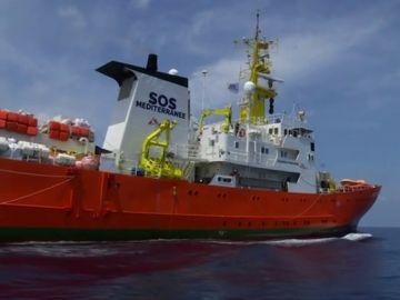 El barco Aquarius zarpa desde Marsella