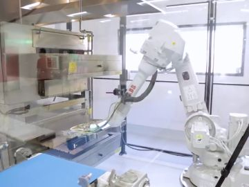 Una máquina robotizada trabajando