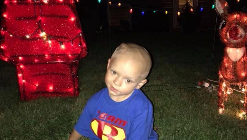 Padres adelantaron la navidad para su hijo que padece de cáncer terminal