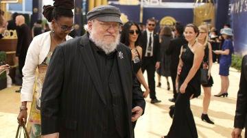 George RR Martin a su llegada a los Emmy 2018