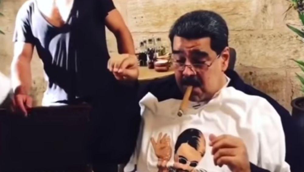 Nicolás Maduro en el interior de un restaurante