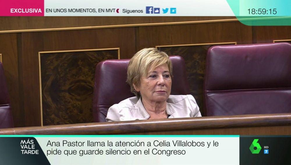 Celia Villalobos durante el pleno del Congreso
