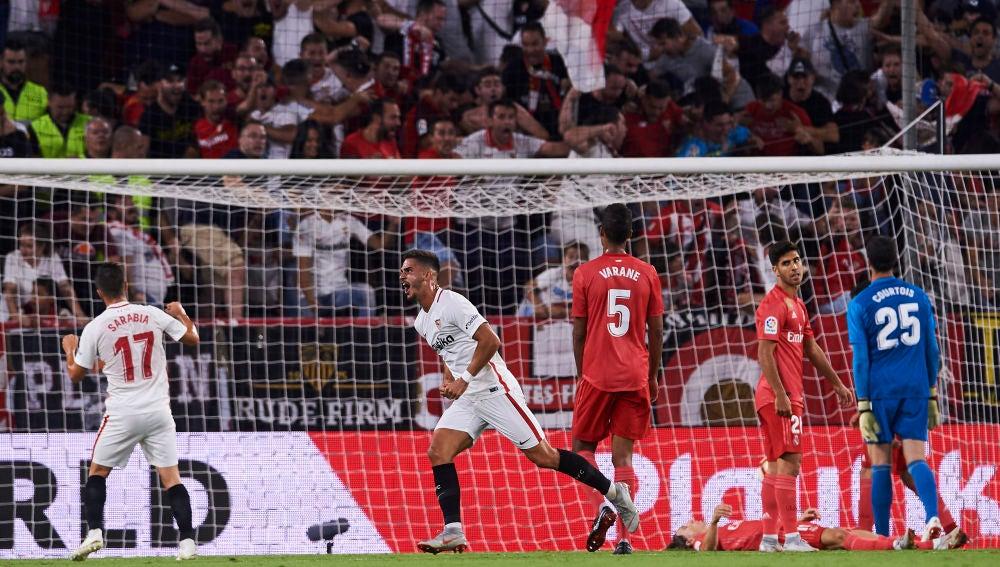 André Silva celebra uno de sus goles contra el Real Madrid