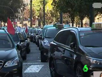 Varios taxis en Lisboa durante la huelga del sector
