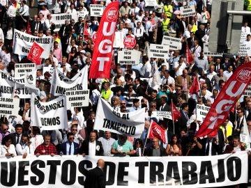 Cientos de chóferes VTC protestan en Madrid por la norma que ultima Fomento