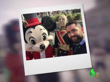 Dani Mateo, con Franco y Micky Mouse