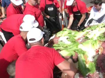 Alicante intenta conseguir el récord de la hamburguesa más grande del mundo