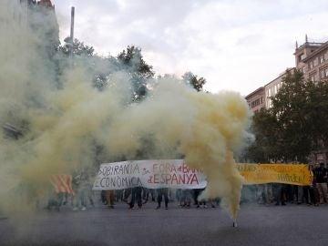 Activistas de los CDR han cortado en Barcelona la plaza de Catalunya