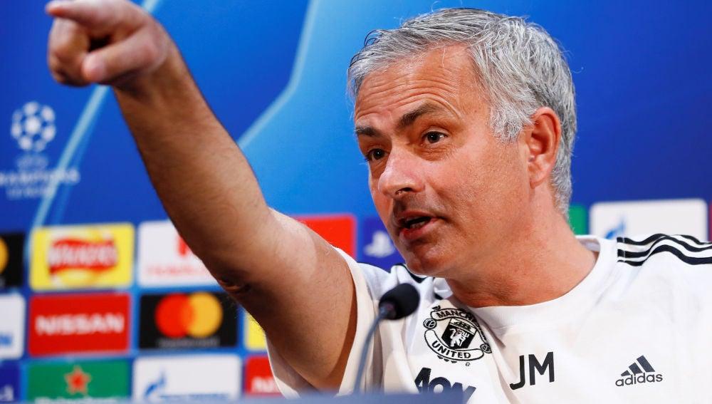Mourinho podría regresar a su país a dirigir
