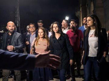 Inés Arrimadas sale del Parlamento de Cataluña