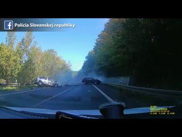 La temeraria carrera entre un Ferrari y un Porsche acaba con un brutal choque y la muerte de un conductor inocente