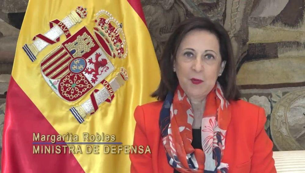 """Margarita Robles defiende el papel de los hombres y mujeres de las Fuerzas Armadas: """"Defendéis los mejores valores de este país, de una España unida"""""""