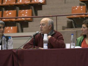 Imagen del estafador Josep Pàmies durante una conferencia