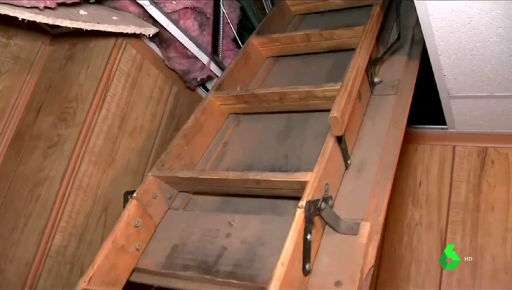 Imagen del falso techo donde se han encontrado los cadáveres de 11 bebés en Detroit