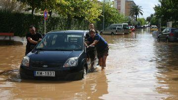Imagen de una calle inundada en Tarragona