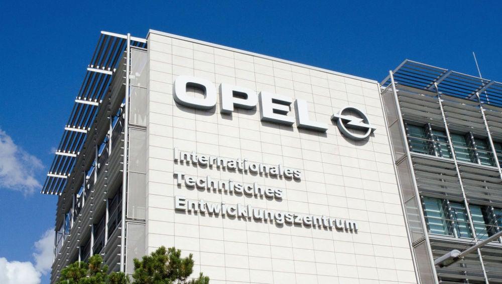 Registros en Alemania por manipular vehículos diésel — Opel
