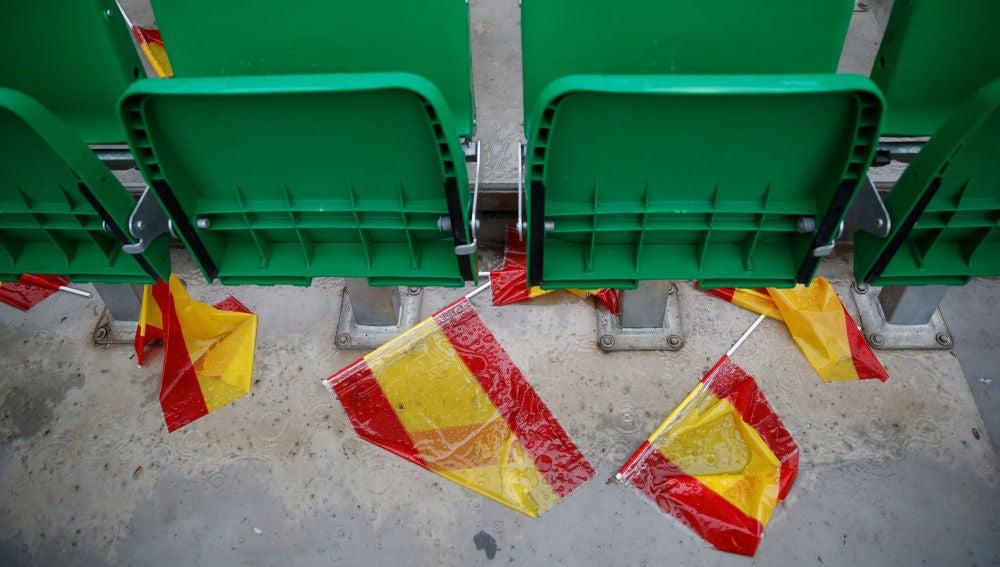 Banderas de España en el Benito Villamarín