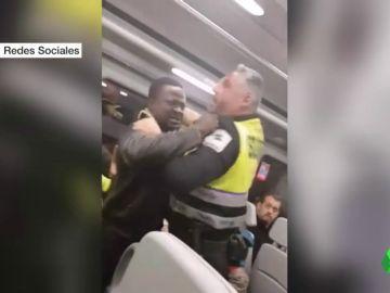 Agresión a un pasajero negro en un tren de Cercanías