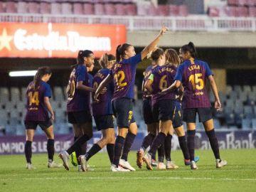 Las jugadoras del Barça celebran uno de los goles contra el Glasgow