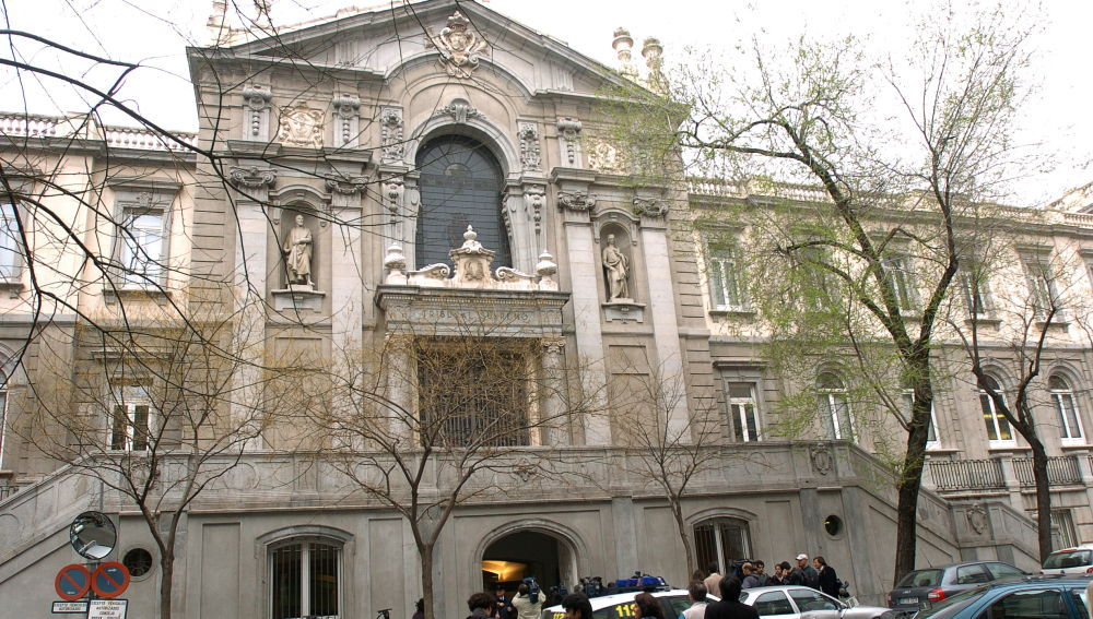 Noticias 2 Antena 3 (19-10-18) El Tribunal Supremo podría rectificar su fallo sobre imponer a la banca el impuesto de hipotecas