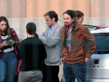 Pablo Iglesias a su llegada a la prisión de Llenoders