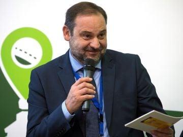 José Luis Ábalos, ante los medios