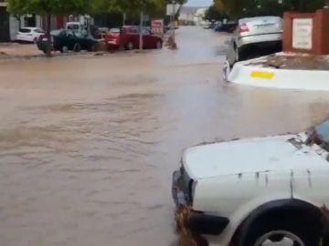 Las fuertes lluvias en el municipio malagueño de Campillos dejan a decenas de personas atrapadas