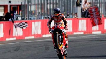 Marc Márquez celebra su séptimo título de motociclismo