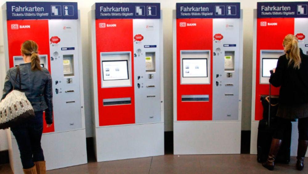 Máquina de expedición de billetes de tren alemana
