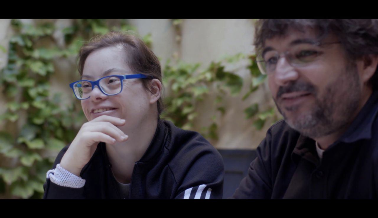 Gloria Ramos, actriz de Campeones, y Jordi Évole