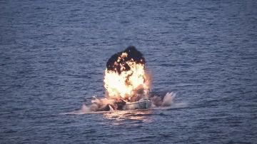 Barco pirata destruido en Somalia