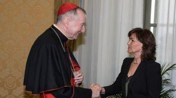 La vicepresidenta del Gobierno, Carmen Calvo, y el secretario de Estado vaticano, Pietro Parolin