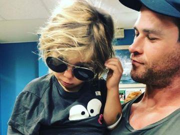El gran susto de Elsa Pataky y Chris Hemsworth: uno de sus gemelos sufre un accidente