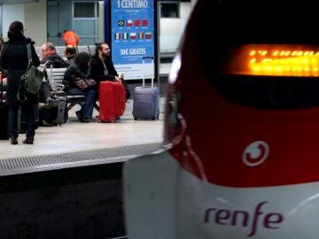 En la imagen, la estación ferroviaria de Sants.