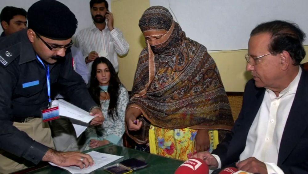 La cristiana Asia Bibi, absuelta de pena de muerte por blasfemia en Pakistán