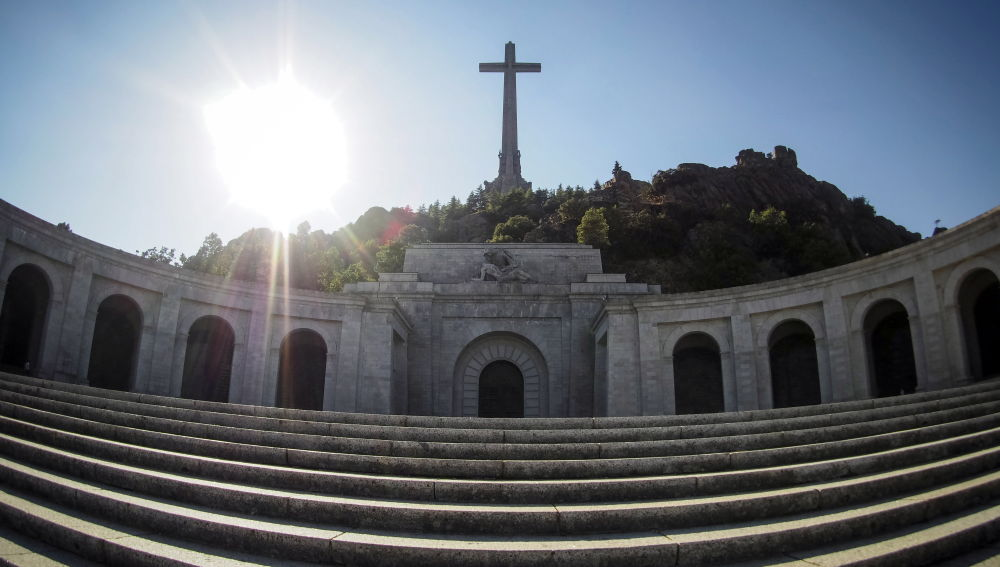 Fachada de la basílica del Valle de los Caídos