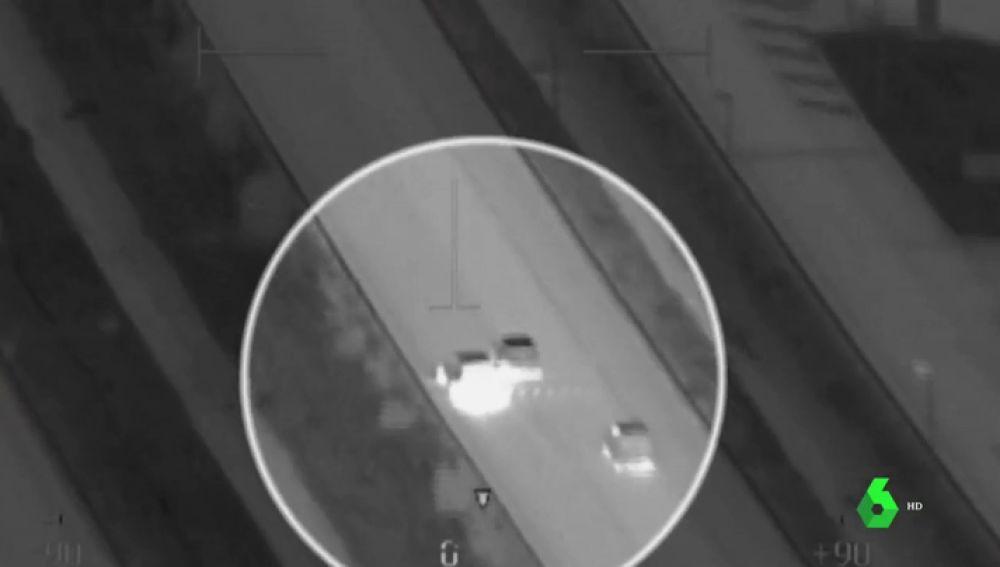 Rociando con extintores a la Policía: las imágenes aéreas de la persecución