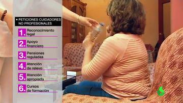 Los cuidadores de familiares enfermos exigen un reconocimiento: tienen que dejar su trabajo y no reciben ninguna ayuda