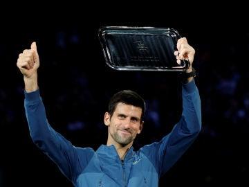 Novak Djokovic pierde la final del Master 1000 de Paris frente a Karen Khachanov