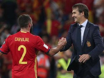 Carvajal y Lopetegui, durante un partido de la Selección
