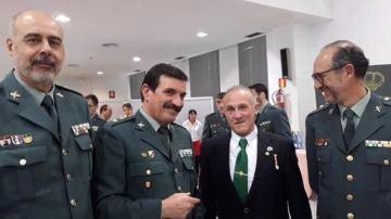 Manuel Murillo, francotirador detenido por querer matar a Sánchez, junto a guardias civiles