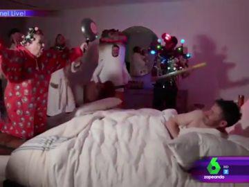 Así despierta en plena noche una tía de Jimmy Kimmel al presentador para cantarle el 'Cumpleaños feliz'