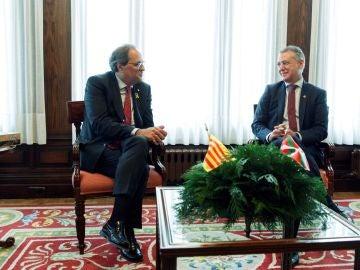 El presidente de la Generalitat de Cataluña, Quim Torra, con el lehendakari, Iñigo Urkullu