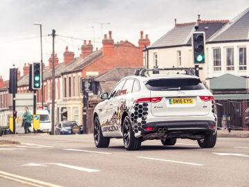 Jaguar desarrolla semáforos GLOSA